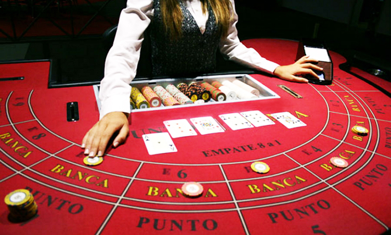 What The Specialists Aren't Saying About Online Casino